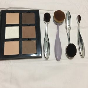 Anastasia Beverly Hills Contour Kit + Brushes